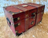 Dungeons and Dragons Chest with metal D20 Crit Coin Trinket box and DnD Dice Box
