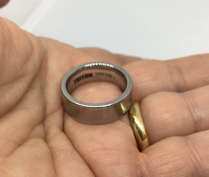 Genuine Tungsten Carbide Triton TC 850 Men/'s Wedding Ring Band Size 9 Graduation!