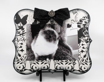 Black and White Photo Clip Board Frame with Butterflies, Holds 5x7 Photo for Garden Enthusiast or Nature Lover, Gift For Entomologist