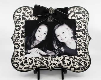 Black and White Abstract Design Picture Clip Board Frame, Modern Display Holder for 5x7 Wedding Photo or Going to College Photo