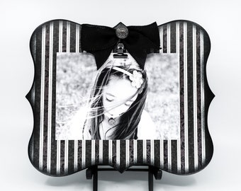 Black and White Stripe Photo Frame, Picture Clip Board for 5x7 Photo, Modern Geometric Home Decor, Great Gift For Husband's Office