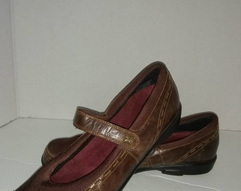 Berries by Aetrex Mary Janes size 10