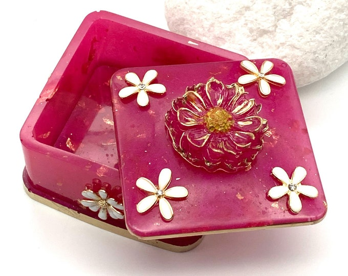 Hot Pink Floral Resin Jewelry Box | Hot Pink Jewelry Box | Jewelry Storage | Floral Jewelry Box | Hot Pink Room Decor | Dresser Decor