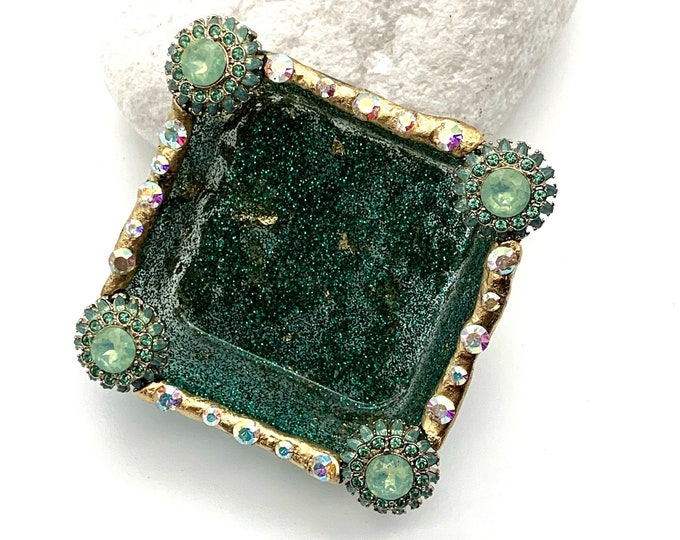 Green and Gold Resin Jewelry Tray | Green Trinket Tray | Jewelry Storage | Resin Jewelry Dish | Green Room Decor | Dresser Decor