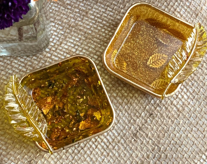 Trinket Dish | Fall Leaves Storage Box | Fall Resin Box | Jewelry Storage | Gold and Copper Trinket Box | Leaves in Resin |