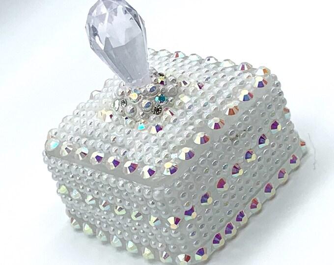 White Pearl Resin Jewelry Box | Pearl Jewelry Box | Jewelry Storage | Pearl Trinket Box | Pearl Room Decor | Dresser Decor