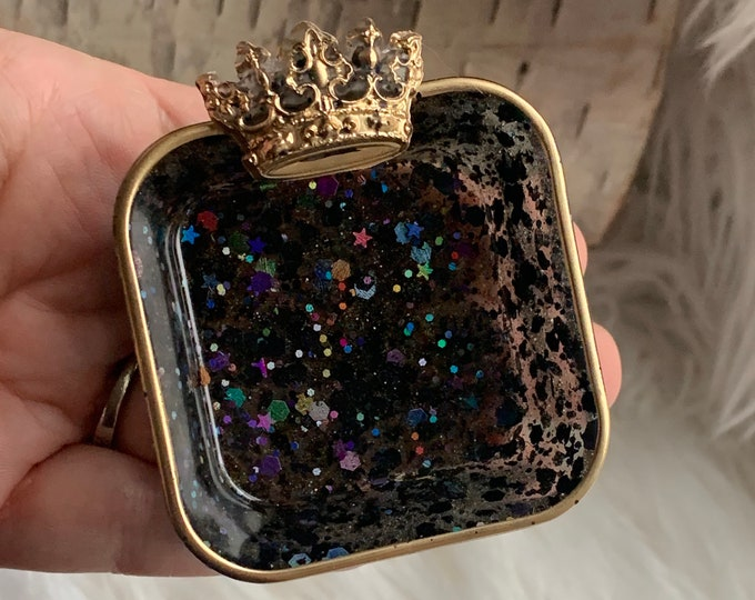 Trinket Dish | Queens Gambit Resin Jewelry Tray | Turquoise Jewelry Tray | Crown Trinket | Jewelry Storage | Ring Holder Dish | Black Decor