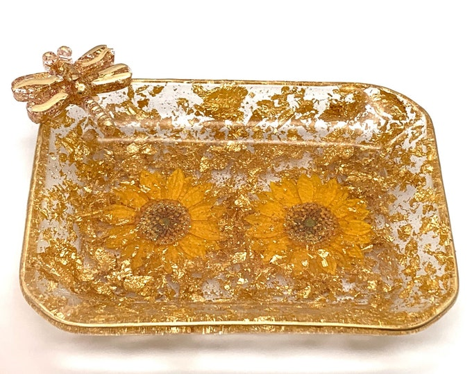 Gold Dragonfly and Floral Resin Candy Dish | Gold Resin Dish | Jewelry Storage | Dragonfly Resin Tray | Gold Room Decor