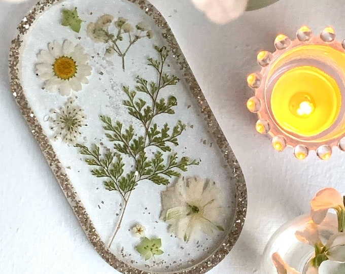 Trinket Dish - Jewelry Dish - Cottagecore Ring Dish - Ring Holder Dish - Dried Flowers