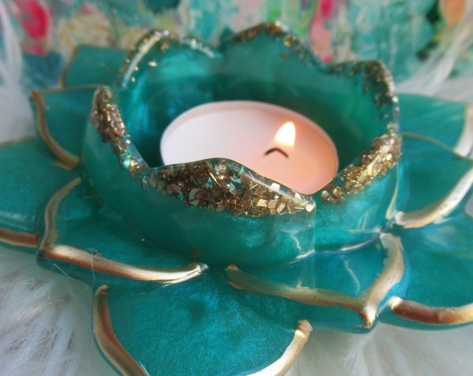 Resin Lotus Flower Candle Holder | Customize Candle Holder | Resin Lotus| Resin Lotus Flower Tea light Candle Holder | Bee Lovers Gift | Bee
