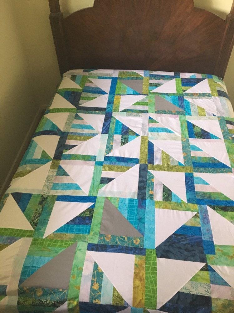 Made to Order - Dépôt - Taille reine - Collat Jelly Roll - Courtepointe faite à la main - Courtepointe bleue - Patchwork Quilt - Quilt pleine grandeur - Quilts à vendre