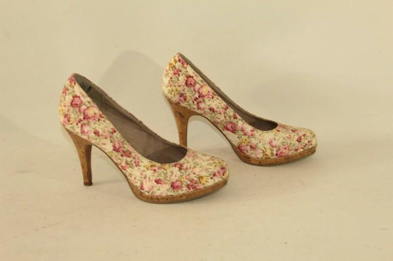 de8b257a0468a Vintage Floral Fabric TAMARIS Platform Casual Clubwear Party High Heel  Shoes Size 4 / 37