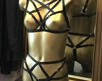 Nirvana bra top and open sexy thong alestic black and gold rings