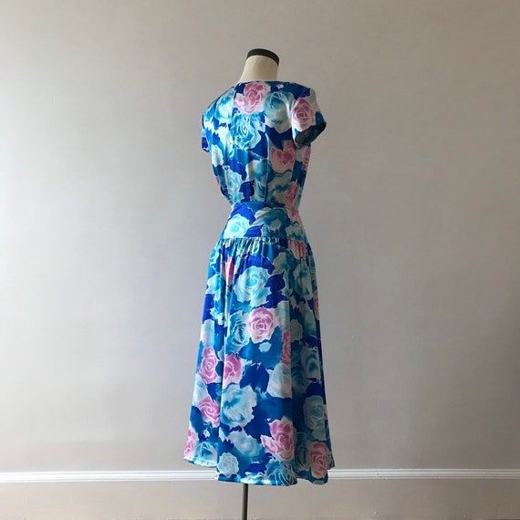 Two piece silk floral skirt and top dress set - image 4