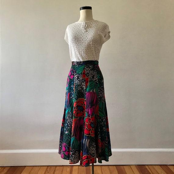 Dark floral print rayon tulip skirt - image 3