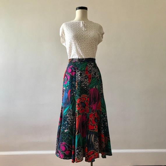 Dark floral print rayon tulip skirt - image 2