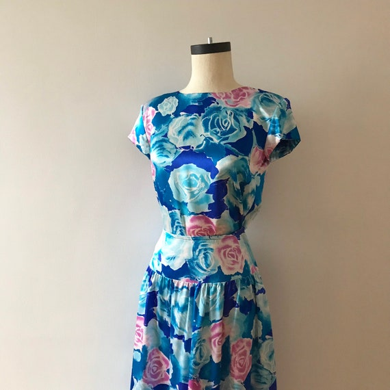 Two piece silk floral skirt and top dress set - image 5