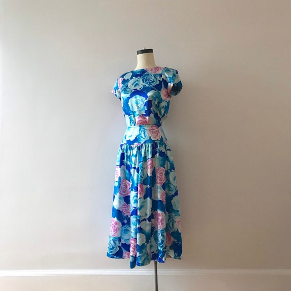 Two piece silk floral skirt and top dress set - image 1