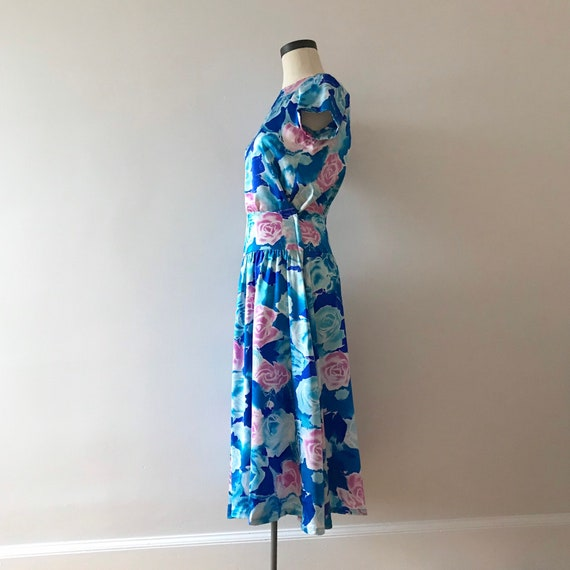 Two piece silk floral skirt and top dress set - image 3