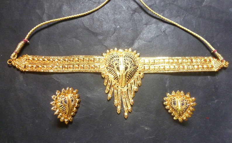 Gold Plated Indian 8/'/' Round Pendant Chocker Necklace Earrings Wedding Set