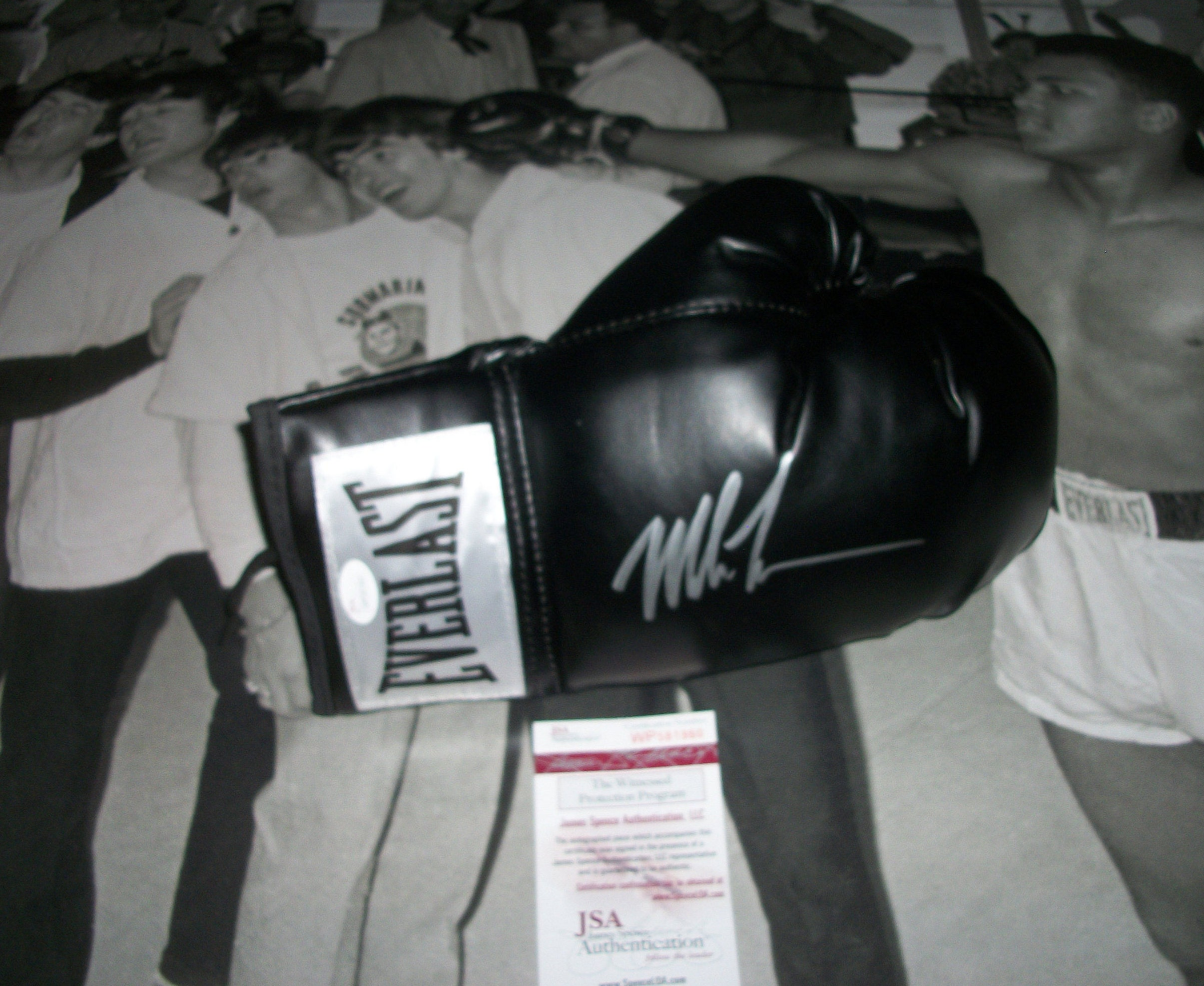 67f8979d0ce Mike Tyson Signed Autographed Black Everlast Full-Size Boxing Glove with  Display Case! (JSA COA)  WP581960