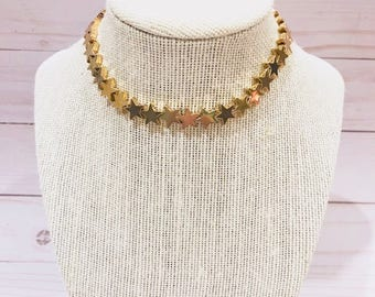 Metal star necklace choker in gold or silver