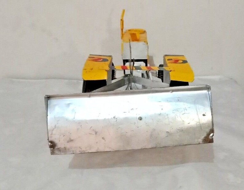 Handmade HMT Tractor Land Leveler Model Toy Show-Piece Tin Tractor Toy