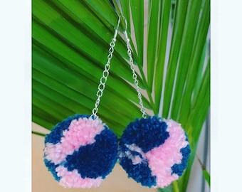 Medium Pom Pom earring Marble colour Yarn