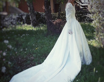 Vintage wedding dress 80s beaded, train, puffy shoulders