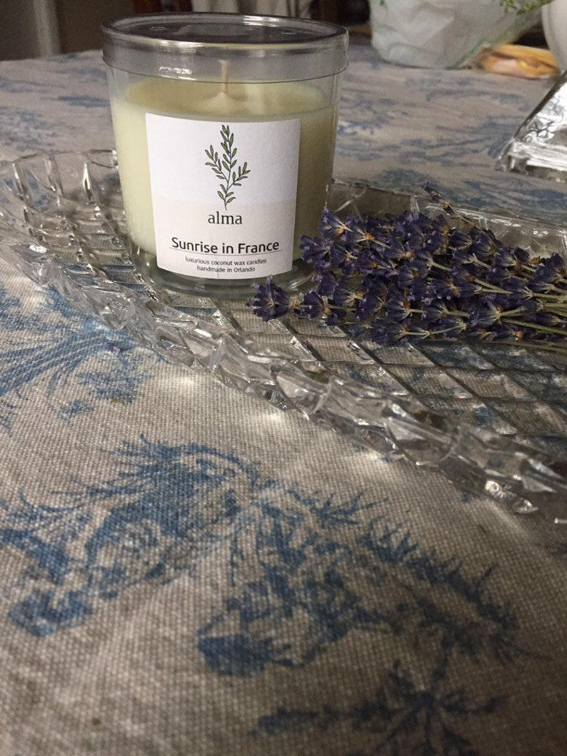 SUNRISE IN FRANCE ; lavender ; hand-poured luxury coconut wax candle container candle,all natural candle.