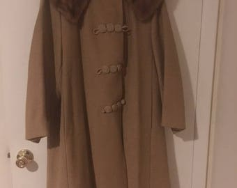 Vintage Lane Bryant ladies dress coat  Detachable Fur collar  Excellent condition