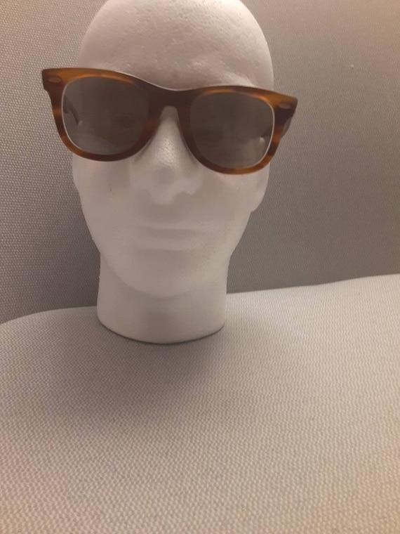 Vintage Wayfarer Ray Ban sunglasses