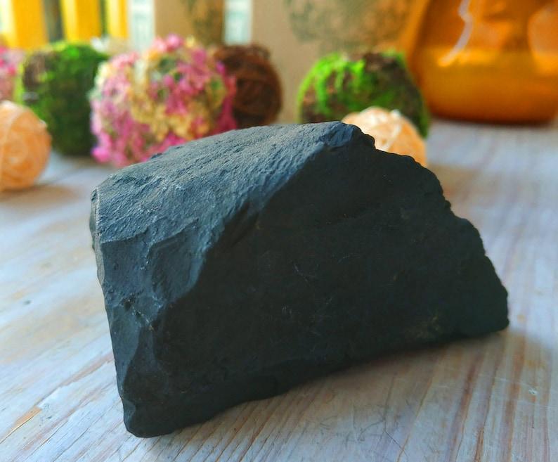 UNIQUE shungite raw stone for water 203 grams (7,15 oz), shungite stone for  water purification, detoxification stone