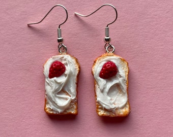 Toast earrings with cream cheese and strawberries. Polymer clay earrings, handmade, fun and light.