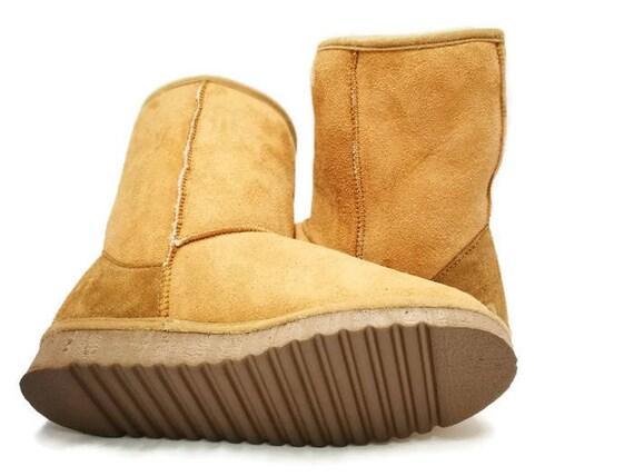 09fb21f327a3 Camel Shearling boots