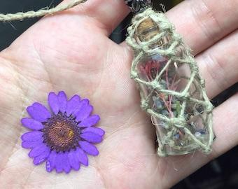 Dry Flowers Macrame Hemp Necklace