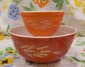 Pyrex autumn harvest nesting bowl 401 750 ml 403 3.5 l vintage 1970s designed by Richard Hora orange wheat set of 2