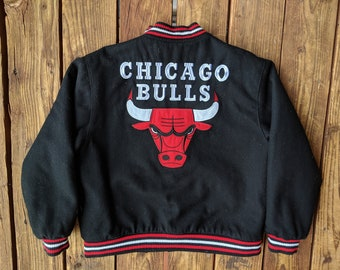 2c608378b94 Vintage 90s Jeff Hamilton Reversible NBA Chicago Bulls Wool   Nylon Bomber  Jacket - Youth XL (Adult S)