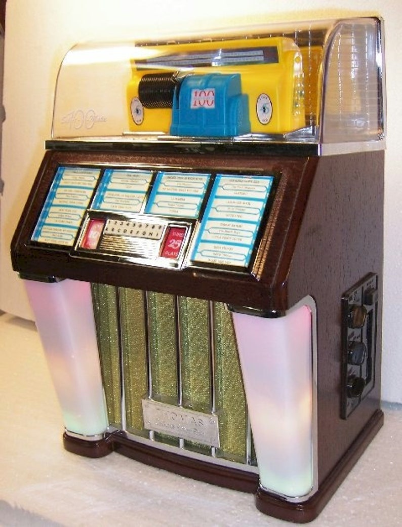 Thomas Collectors Edition Juke Box THOMAS Select O Matic 100 CASSETTE  PLAYER Radio Collectors Edition Mini Jukebox Radio & Cassette 1960