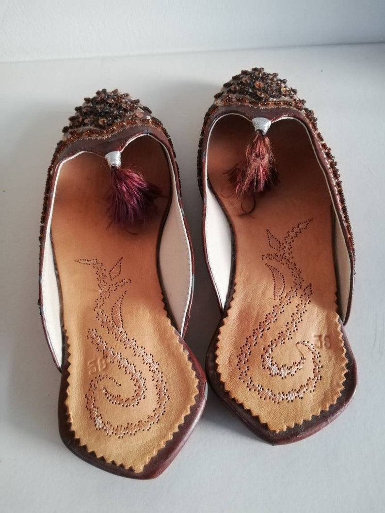 real leather Unica Sole 25 cm long New With beads and gold thread Very beautiful. super cute BABOUCHES vrai cuir loafers size 38
