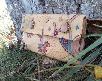Vintage clutch beige patterned