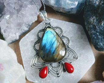 labradorite encased in 925 handmade necklace pendant crystal healing magic stone