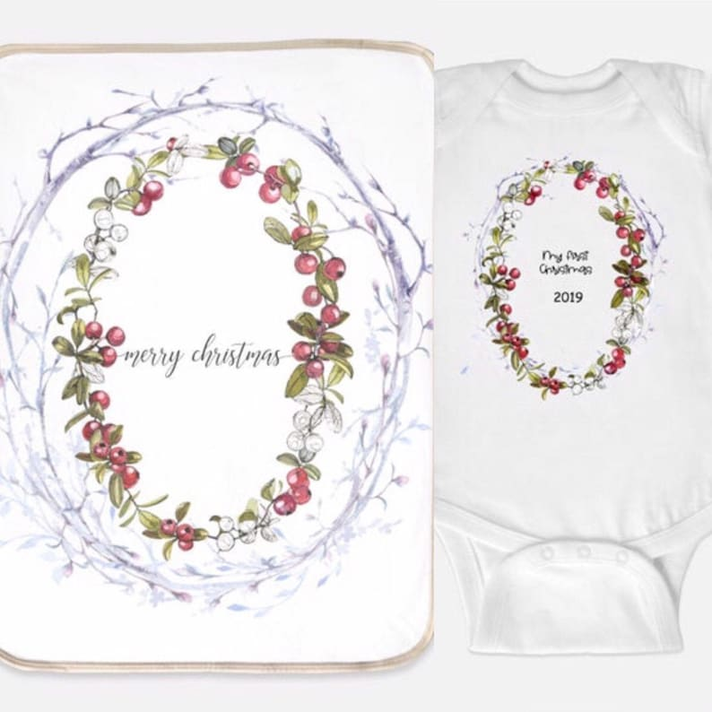 2 Pc Baby Baby/'s Mini Layette Set Baby Bodysuit Baby/'s First 1st Christmas Cranberry Wreath Personalized gift Designer Sherpa Blanket