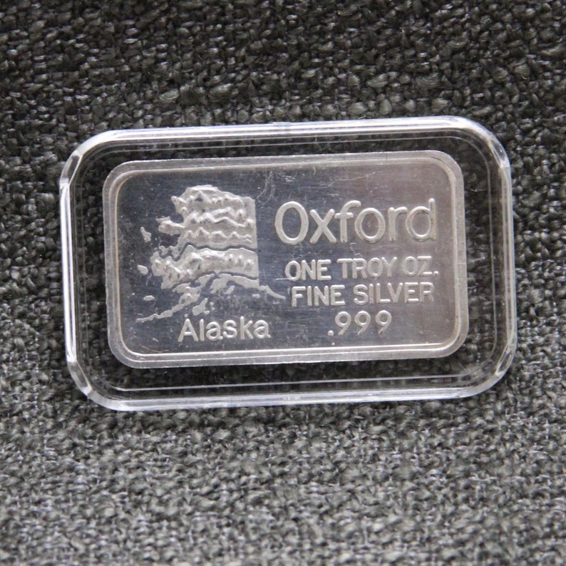 "Vintage 1981 /""American Eagle/"" 1 Oz .999 Fine Silver Art Round World Wide Mint"