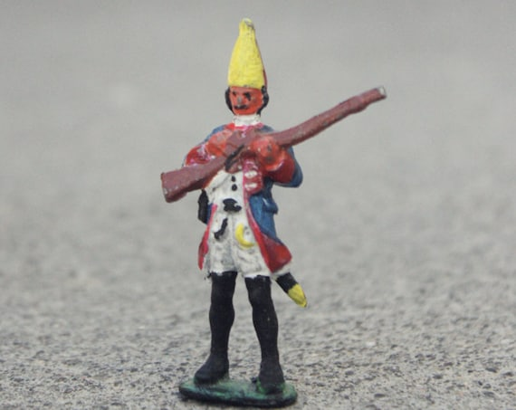 Tiny Miniature soldier Figurine
