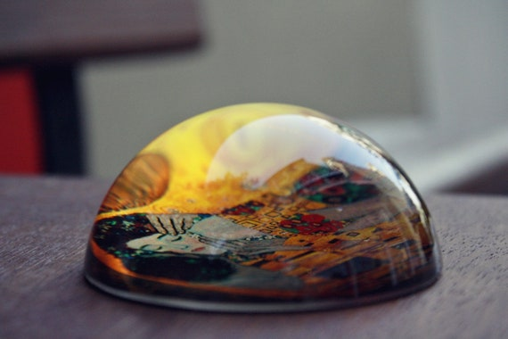 The Kiss Paperweight