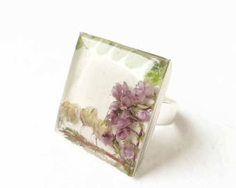 Epoxy resin pressed fern ring - floral wife gift - girlfriend gift for Christmas - pressed flower resin ring - purple flowers botanical ring