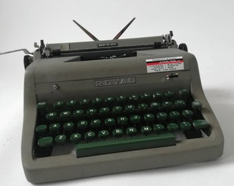 Quiet luxury VINTAGE 1960's ROYAL typewriter