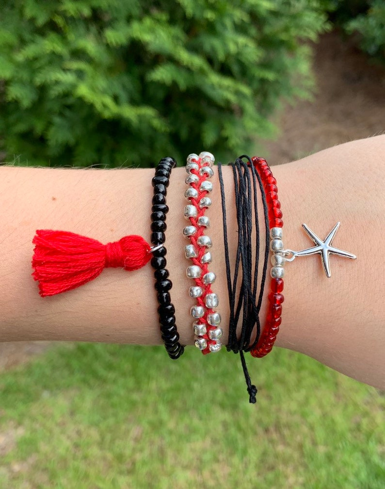 Boho VSCO Inspired Pura Vida-Style Stackable Red and Black Starfish Friendship Bracelet Set 4-piece Beachy Summer Vibes Adjustable