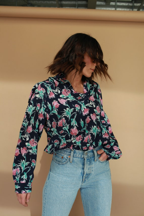 Vintage Women's Blouse / Floral Blouse / Chiffon /
